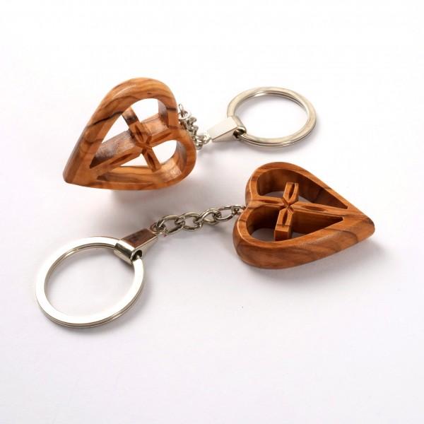 Schlüsselanhänger Kreuz im Herz